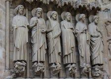 Statue dei san alla cattedrale di Notre Dame Fotografia Stock