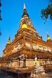 Statue del Buddha al tempiale di Wat Yai Chai Mongk Immagini Stock Libere da Diritti