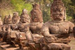 Statue del Buddha sulla strada, Angkor Wat, Cambogia Fotografia Stock