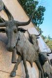 Statue del toro fuori di Las Ventas Bullring Plaza de Toros de Las fotografia stock
