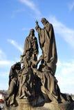 Statue der Charles-Brücke, Prag Stockfotos