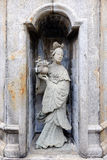 Statue der Frau im Tempel Lizenzfreie Stockfotos