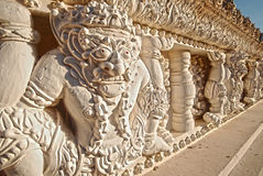 Statue der Gesichtsriese am Tempel Stockbilder