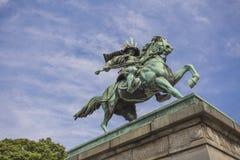 Statue der großen Samurais Kusunoki Masashige im Ost-Garde lizenzfreies stockbild