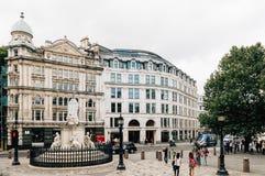 Statue der Königin Anne in London Lizenzfreies Stockfoto