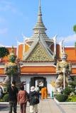 Statue des Dämons (Riese, Titan) bei Wat Arun Stockfotos