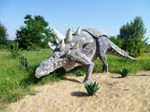 Statue des Dinosauriers im dinopark Lizenzfreies Stockfoto