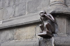 Statue des Fallhammers Mons, Belgien Stockbilder
