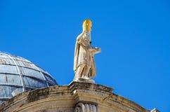 Statue des Heiligen Blaise auf der Kirche von St. Blaise in Dubrovnik, Lizenzfreies Stockfoto