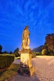 Statue des Landhauses Olmo in der Como Stadt bis zum Nacht Stockfotografie