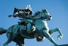 Statue des Samuraireitens auf einem Pferd stockbild