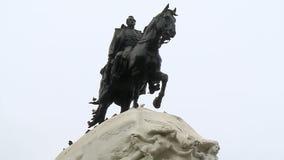 Statue des Soldaten Riding Horse stock video footage