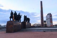 Statue des soldats marchant à la guerre au monument à l'héroïque Photographie stock libre de droits