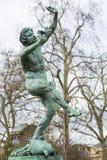 Statue des tanzenden Fauns im Jardin De Luxemburg, Paris, Frankreich stockfotografie