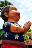 Statue des thailändischen Jungen lizenzfreies stockbild