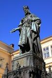Statue des tschechischen Königs Charles IV. in Prag Stockbilder