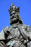Statue des tschechischen Königs Charles IV. in Prag lizenzfreies stockbild