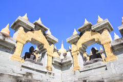 Statue di Buddha nel PA Kung Temple a Roi Et della Tailandia C'è un posto per la meditazione fotografia stock libera da diritti