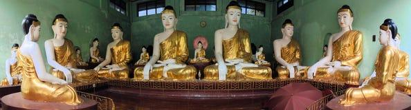 Statue di Buddha a Shwedagon, Rangoon, Birmania Fotografia Stock