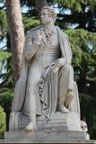Statue, die Lord byron in einem römischen Park darstellt stockfotografie