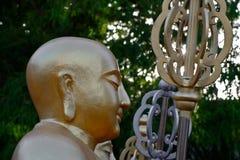 Statue dorate del buddha Fotografie Stock