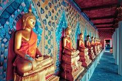 Statue di Buddha in tempio di Wat Arun, Bangkok Fotografia Stock Libera da Diritti