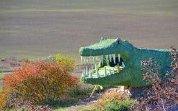 Statue du crocodile dans les montagnes photos stock