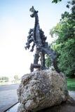 Statue du dragon du château de Wawel photos stock