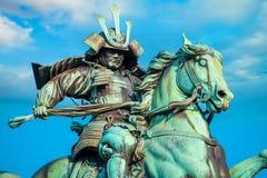 Statue du grand Kusuno samouraï au palais impérial de Tokyo images libres de droits