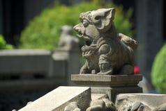 Statue du lion en pierre Photo stock