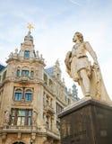 Statue du peintre célèbre Anthony Van Dyck à Anvers Photographie stock