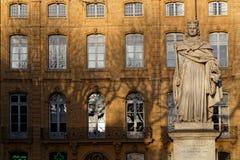 Statue du Roi Rene sur Cours Mirabeau photos stock