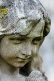 Statue effrontée de cimetière images libres de droits