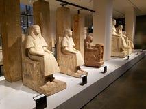 Statue egiziane in museo Fotografie Stock Libere da Diritti