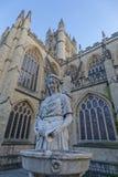 Statue einer Frau durch Badabtei Lizenzfreies Stockbild
