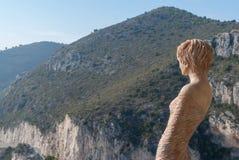 Statue einer Frau in exotischem Garten Eze, Frankreich Stockbild