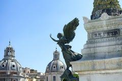 Statue einer winged Frau lizenzfreie stockfotografie