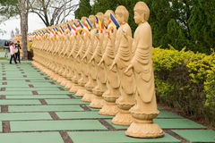 Statue eines chinesischen Kriegers am buddhistischen Tempel Stockbild