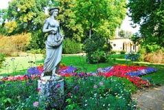 Statue eines Mädchens im Park Sanssouci Lizenzfreie Stockfotos