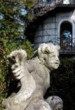 Statue am Eingang des Heckenlabyrinths des Landhauses Pisani, Italien Stockfotos