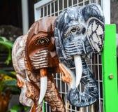Statue en bois à vendre dans Bali, Indonésie Image libre de droits