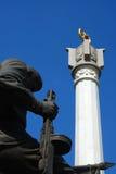 Statue en bronze dans le cimetière Photos libres de droits