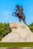 Statue en bronze de cavalier, St Petersbourg, Russie photographie stock libre de droits