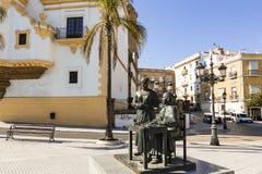 Statue en bronze de deux femmes à Cadix, Espagne image libre de droits