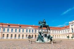 Statue en bronze de Friedrich 1 dans le palais de Charlottenburg images stock
