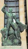 Statue en bronze de Hercule et du taureau de buffle Photo stock