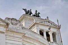 Statue en bronze de victoire Winged sur Vittoriano Emanuele Monument image libre de droits