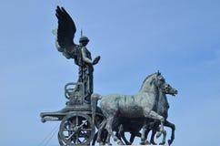 Statue en bronze de victoire Winged sur Vittoriano Emanuele Monument photos libres de droits