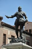 Statue en bronze Don Alvaro de Bazan, amiral célèbre, Plaza de la Villa, Madrid Espagne Statue devant la maison De Cisneros, I cr Images libres de droits