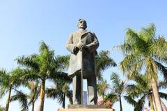 Statue en bronze du soleil yat-sensunzhongshan Photographie stock libre de droits